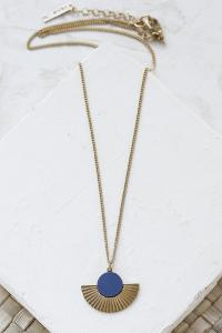 collier Addis bleu marine doré de Shlomit Ofir